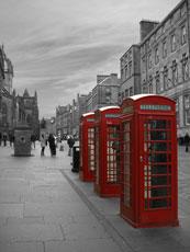 Téléphone rouge pour appeler la police anglaise