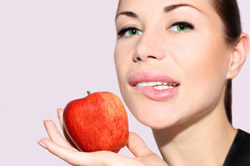 Manger une pomme